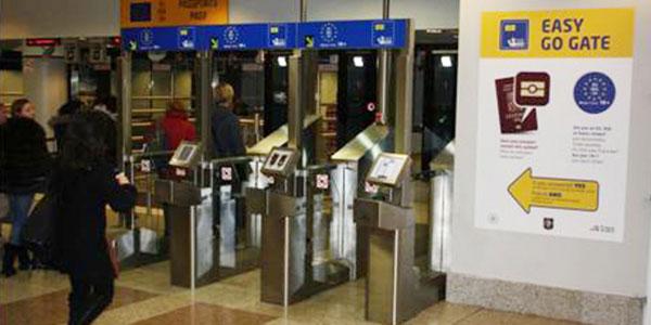 EasyGo project expands as Prague Airport installs 10 e-gates