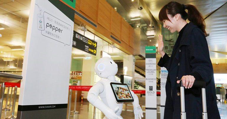EVA Air introduces customer service robots at Songshan and Taoyuan airports