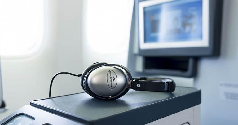 KLM adds audio description to IFE on long-haul flights