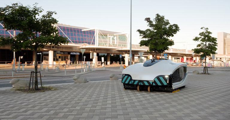 Helsinki Airport trials autonomous street sweeper