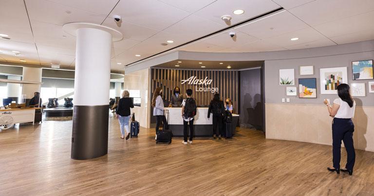 Alaska Airlines unveils new SFO lounge